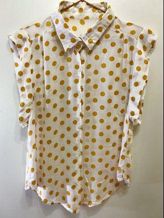 黃點點襯衫