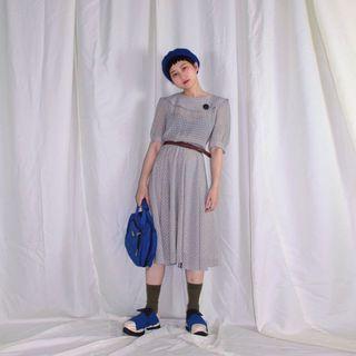 Selafine✼灰底小點點洋裝✼日本製 格紋 圓弧翻領大圓扣 短袖雪紡 傘擺中長裙 80s 90s 古着Vintage