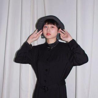Soir ✼鏤空領結黑色洋裝✼ 素面 塑腰扣環腰帶 領口拼接 法式優雅 長袖中長裙   日本古着Vintage