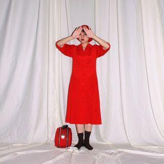 ✼紅色五分袖洋裝✼ V領翻駁領 塑膠圓扣 反摺袖口 大口袋 正紅素色中長裙 日本古着Vintage
