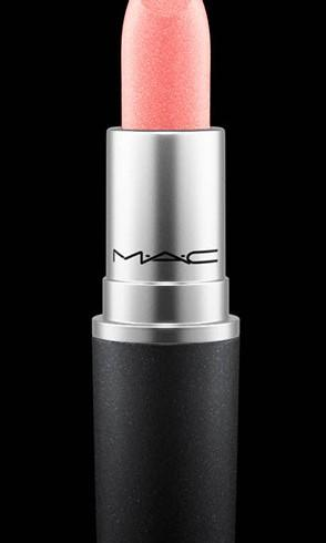 Mac Lipstick - love's a gamble