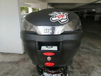Givi box And Monorack