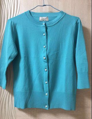 湖水藍 針織 外套 珍珠 鈕扣 七分袖