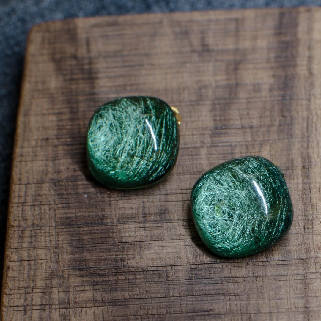 [酸木梨]貓眼絲耳夾-綠色