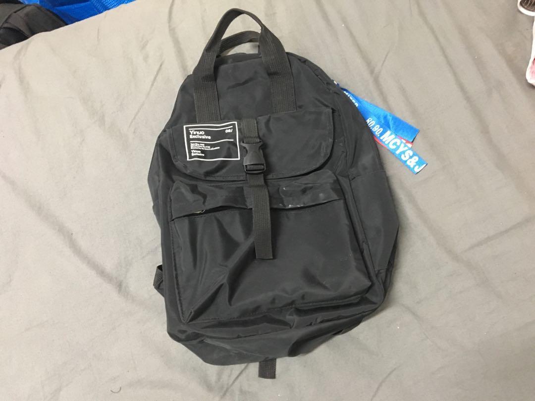 天藍小舖 黑色後背包