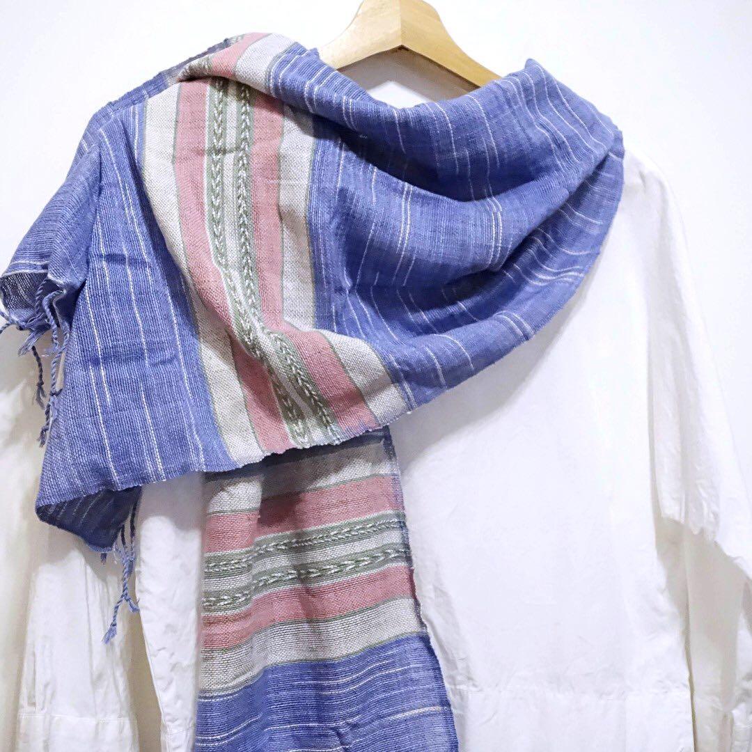 少見配色-清邁純棉手織植物染圍巾 底-紫羅蘭 ,橄欖綠、嫩粉編織花紋