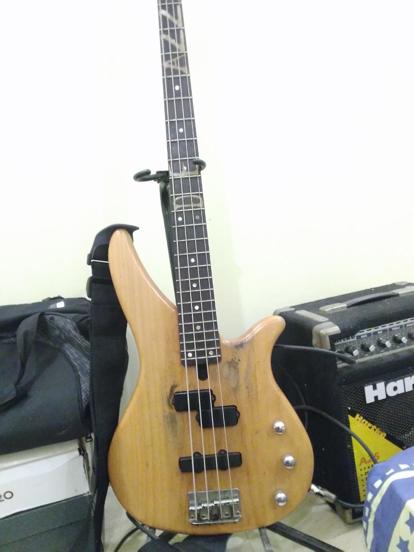 Bass yamaha rbx 270