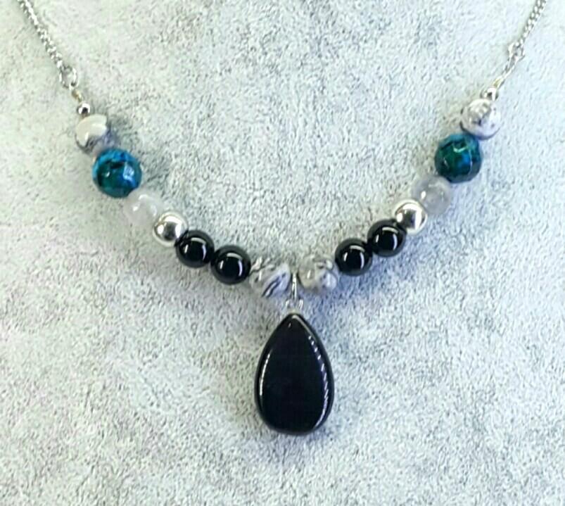 Black Cat Eye Pendant Choker Necklace