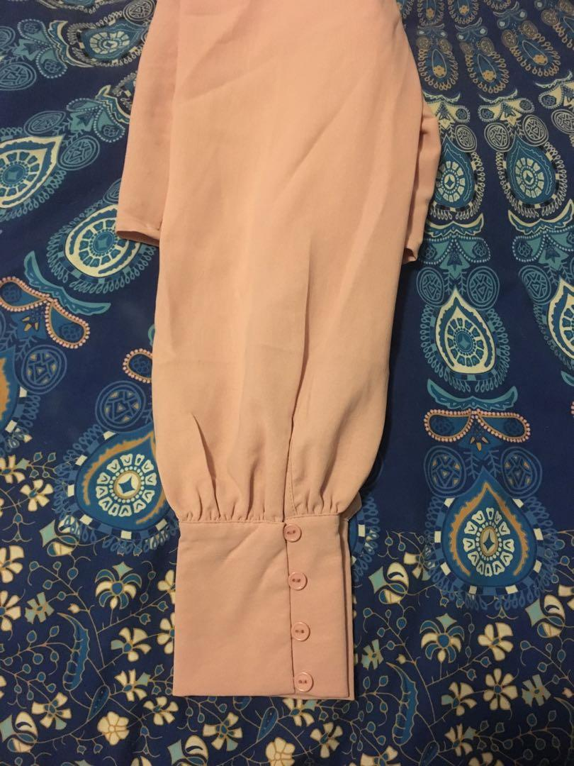 Bnwt Forever21 dusty pink long sleeve crop top size M