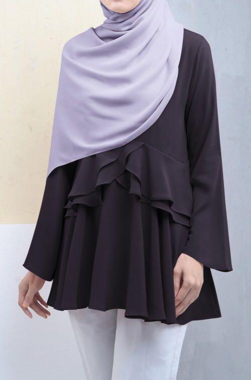 Calaqisya carnation black blouse