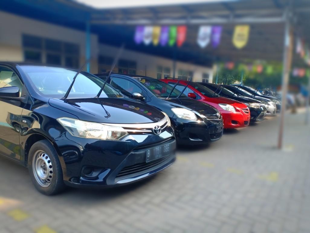Cuci Gudang mobil second berkualitas Sedan Toyota New Vios tahun 2012  harga terjangkau bergaransi