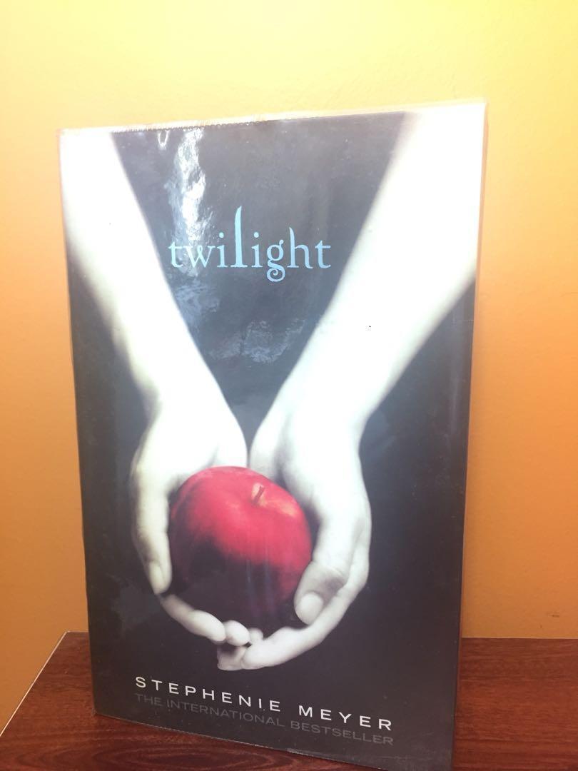Twilights Series. TWILIGHT/ NEW MOON/ ECLIPSE $6!!! EACH!!!