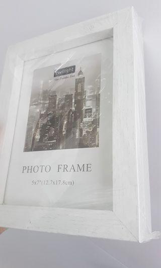 TAKE ALL 2PCS Frame photo dekorasi rumah warna putih wooden kayu