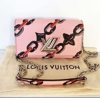 Authentic louis vuitton pochette epi twist limited