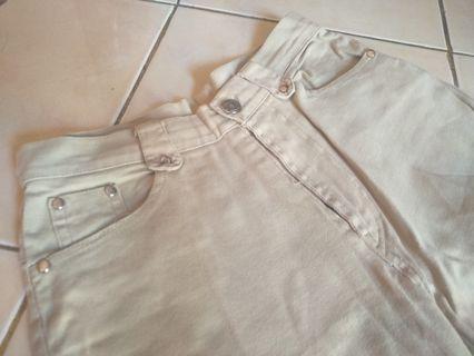 Celana panjang krem