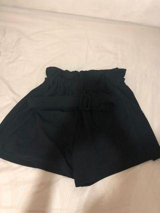 celana highwaist hitam