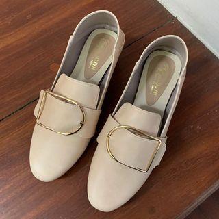 全新低跟鞋(實穿照)