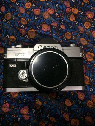 Kamera Analog SLR Canon FT QL (full mekanik)