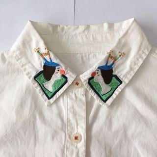 日貨森林系純棉衣領刺繡小丑木偶童趣長袖襯衫