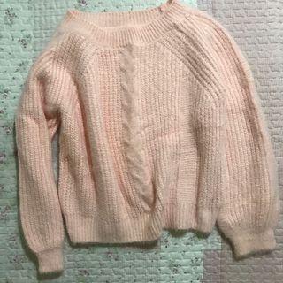 粉色麻花毛衣