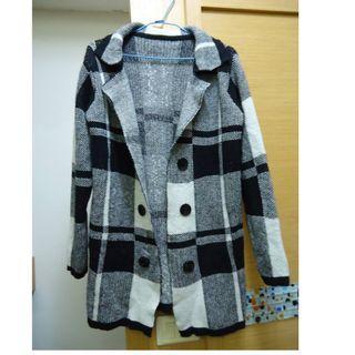 黑白大格紋翻領開襟針織長板外套