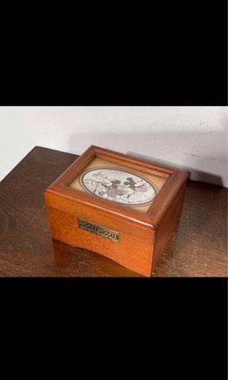 迪士尼卡通木製發條音樂盒