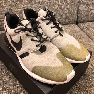 9成新現貨無原盒 Nike Sportswear Roshe Run US13 Running Shoes
