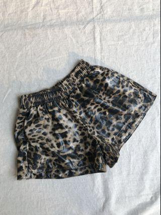 LEOPARD LATEX RUBBER SHORT
