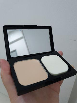 Maybelline Fit Me Powder Foundation #120 Classic Ivory