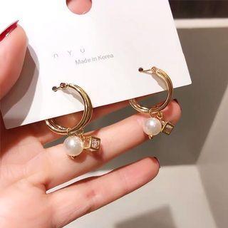 正韓 珍珠方形鑽線條設計耳夾