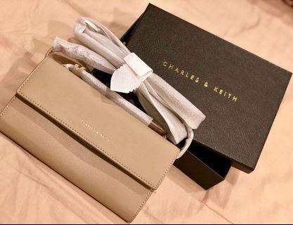 全新Charles & Keith 奶茶色氣質側背小包包