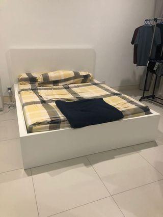 Ikea malm bed frame (150x200 cm)