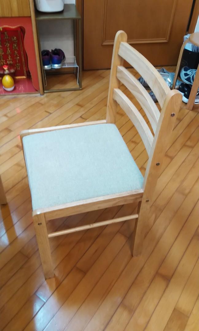 4 張木椅(沙田上門面交) (價錢是4 張的價錢)