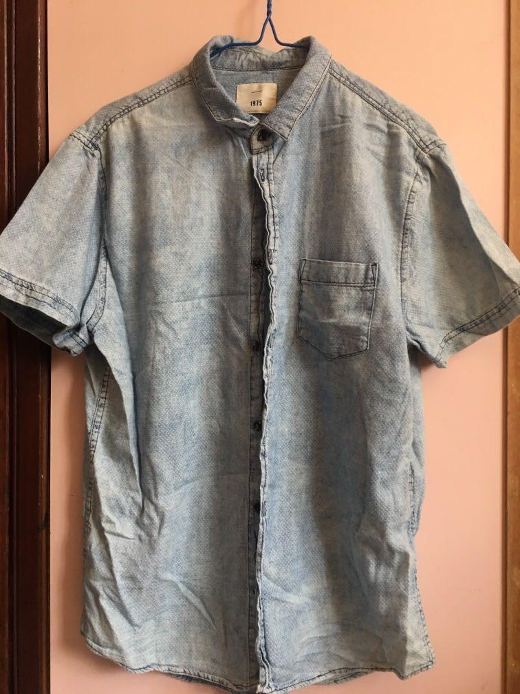 洗水淺藍襯衫