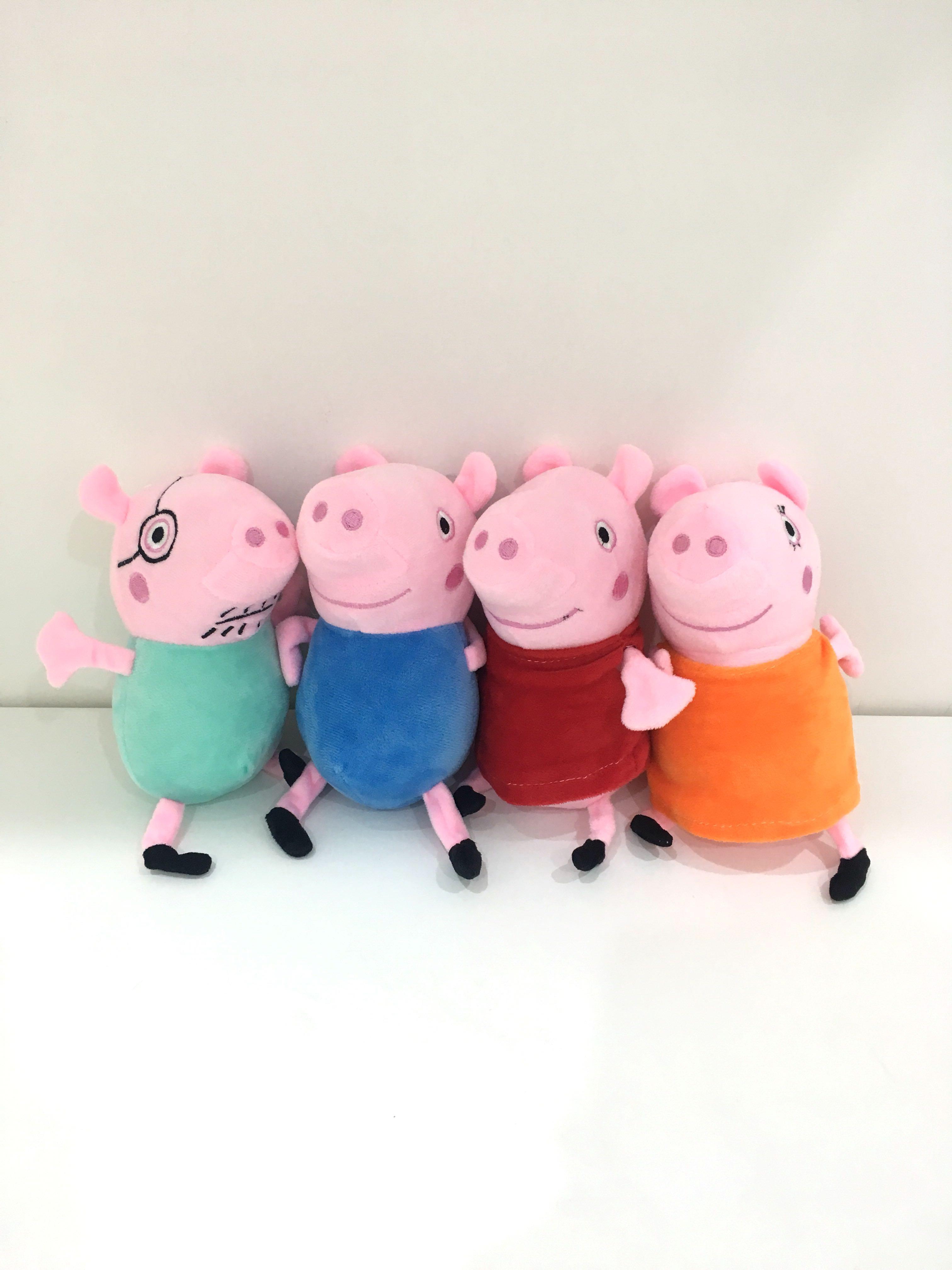 佩佩豬家族🐷爸爸豬媽媽豬喬治豬 大概18公分 想購買單隻可以私訊