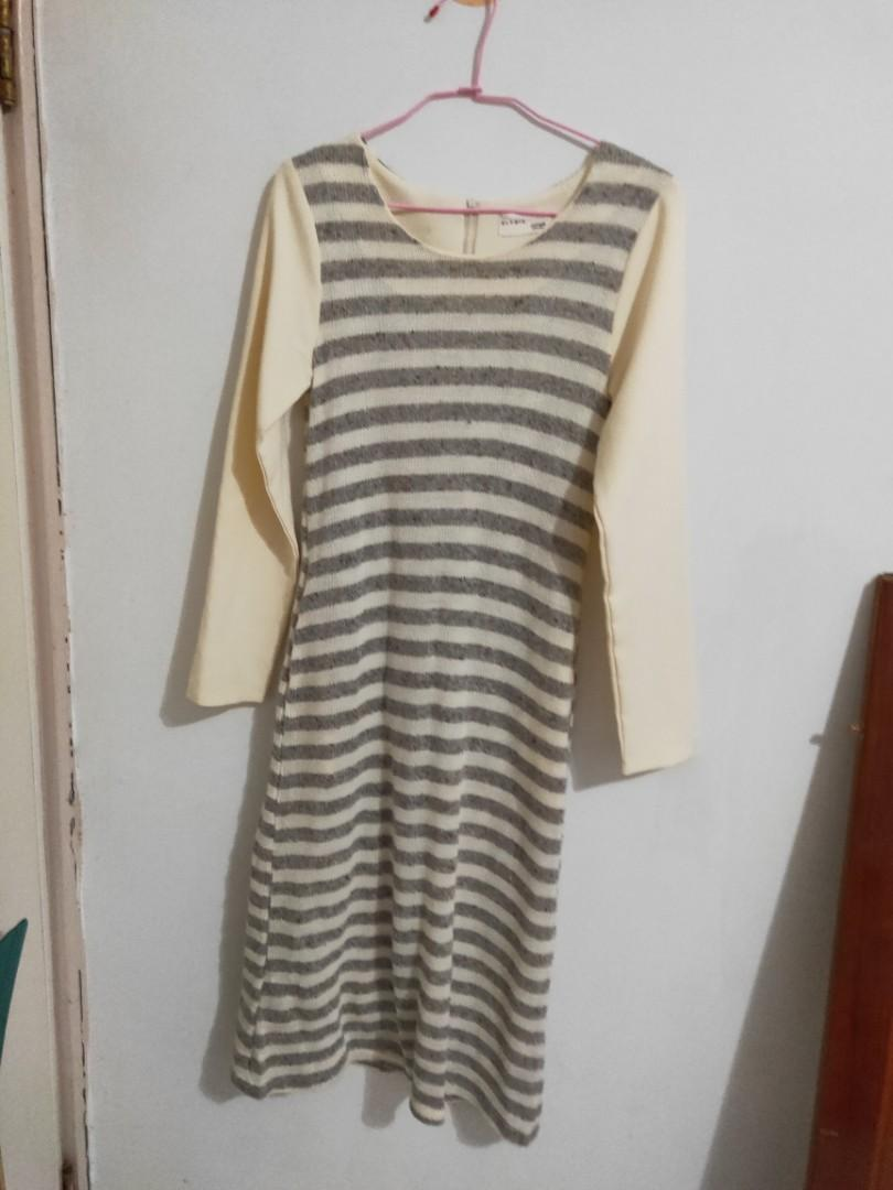 灰條紋 長洋裝