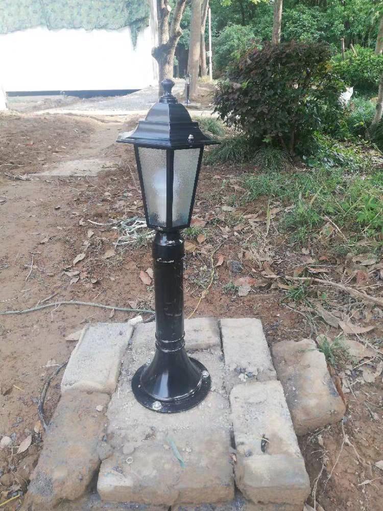 🌇草坪燈 景觀燈 庭院燈 草地燈 底寬18公分 燈寬17公分 有接市電款及太陽能二款