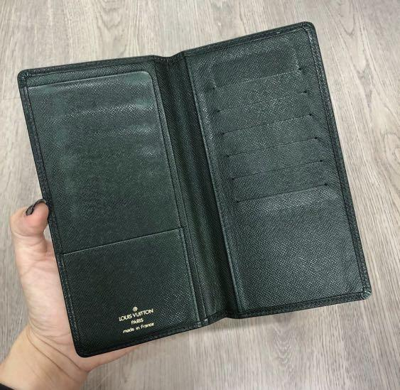 (Authentic) Lv Taiga Bifold Wallet