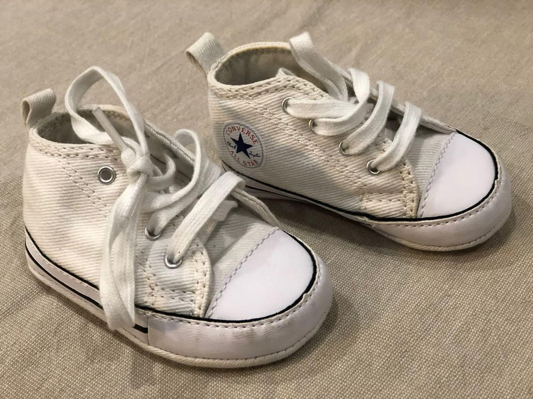 Baby White Converse| size uk 2 /EUR 18