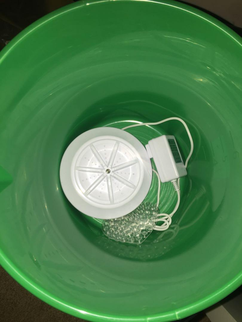 Brand New portable mini washing machine with free bucket!