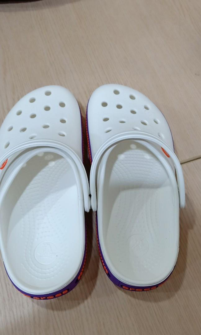 幇朋友代賣全新crocs 鱷魚洞洞鞋