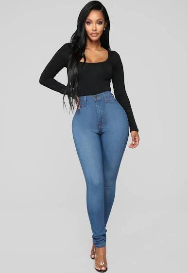 Fashion nova classic high waisted jeans medium blue