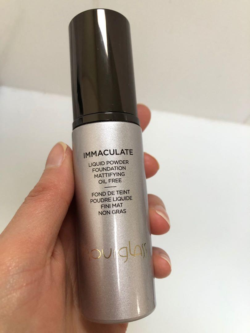 HOURGLASS Immaculate Liquid Powder Foundation in Nude