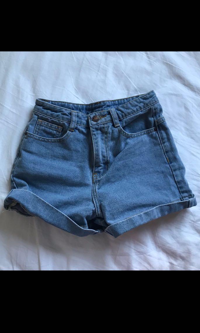 Vintage mom jean shorts