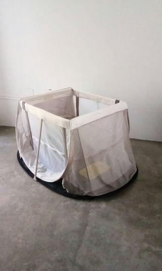 Lightweight Aeromoov Instant Baby Travel Cot/Crib/Playpen