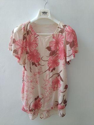 #VISITSINGAPORE Soft floral blouse