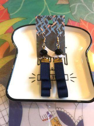 中國風藍色緞帶穿洞式耳環