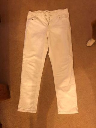 Country road white jeans