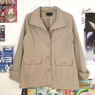 日本古著🇯🇵米白色翻領風衣外套 防風外套 西裝外套