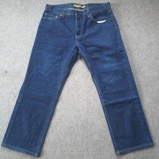 Celana jeans original uniqlo size 33